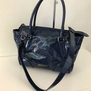 🎉 Authentic Burberry Navy Patent Purse